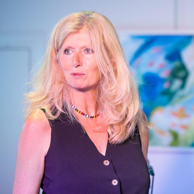 Isabelle Donnadieu professeure de chant aux Parasols